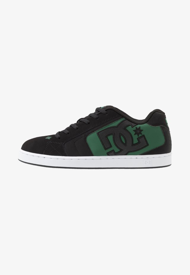 NET - Skateboardové boty - black/green