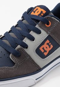 DC Shoes - PURE - Chaussures de skate - grey/dark navy - 2