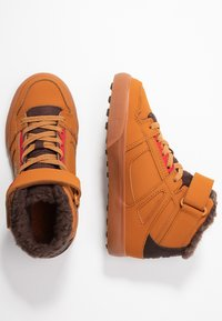 DC Shoes - PURE - Skateboardové boty - wheat/dark chocolate - 1