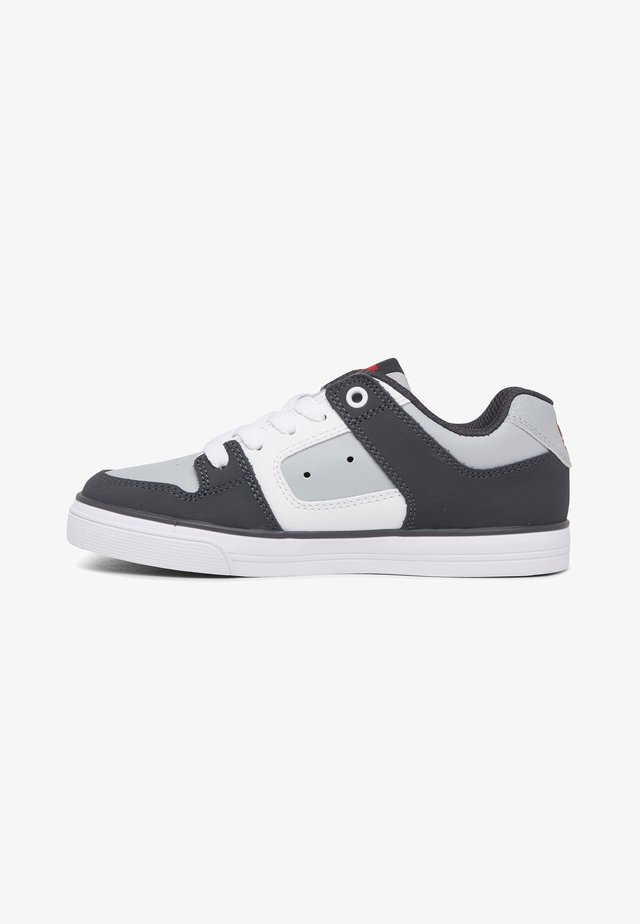 PURE - Sneaker low - grey/red/white