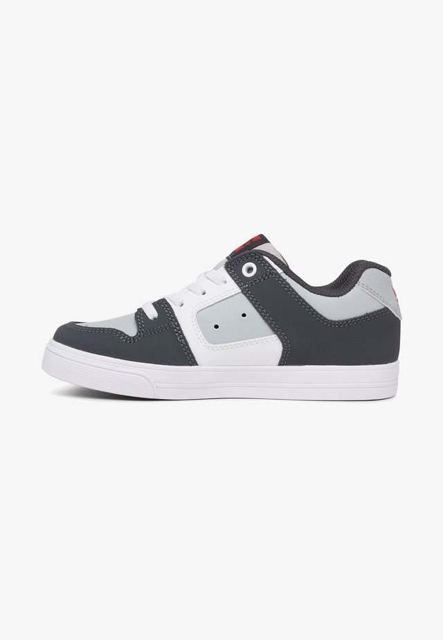 PURE ELASTIC - Sneaker low - grey/grey/red
