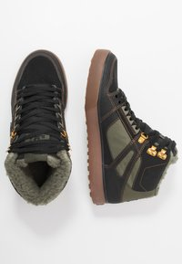 DC Shoes - PURE - Skate shoes - black/olive - 1