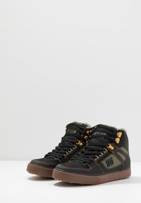 DC Shoes - PURE - Skate shoes - black/olive