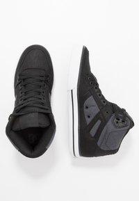 DC Shoes - PURE TOP SE - Obuwie deskorolkowe - black/dark used - 1