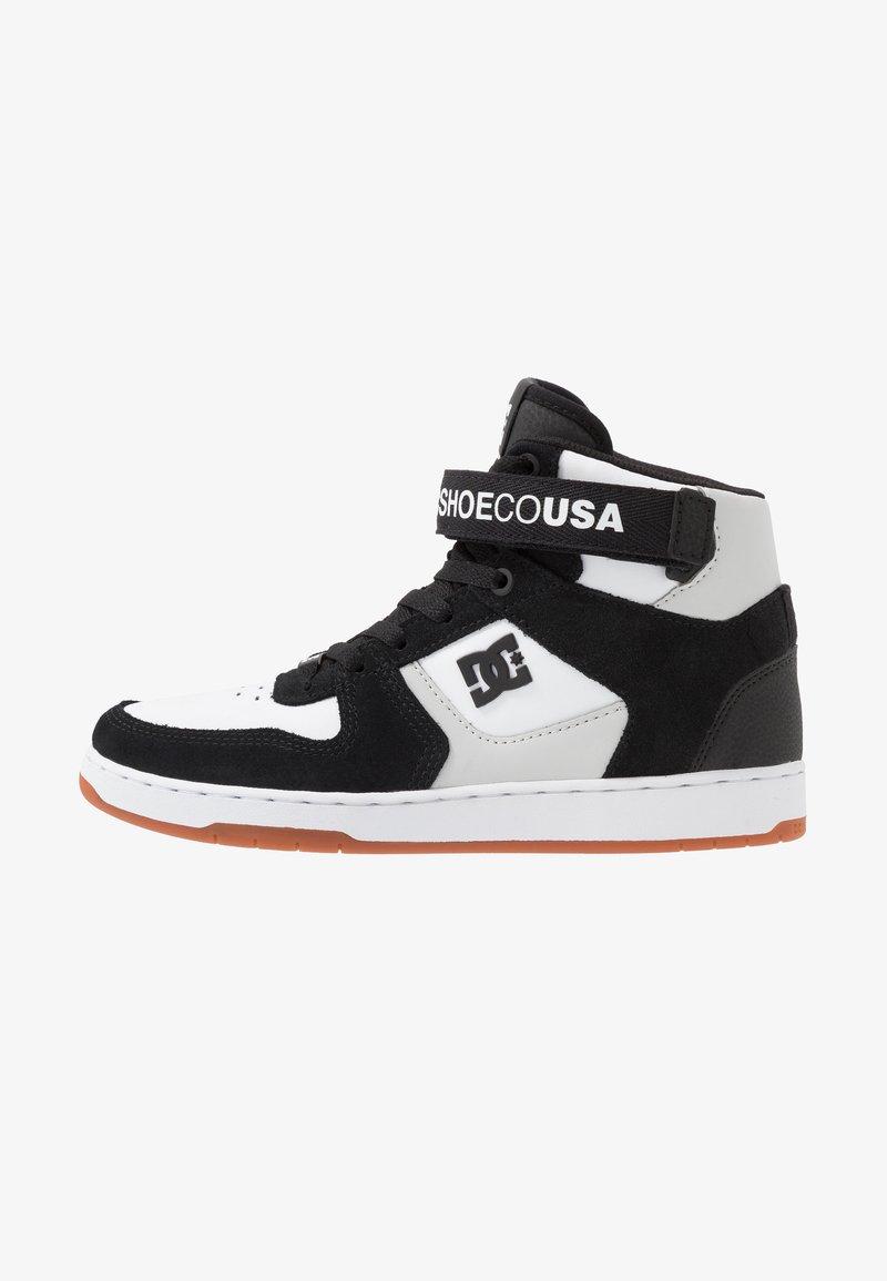 DC Shoes - PENSFORD UNISEX - Zapatillas skate - black/white