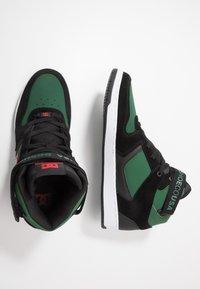 DC Shoes - PENSFORD UNISEX - Zapatillas skate - green/black - 1