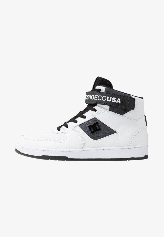 PENSFORD SE - Skateskor - white/black