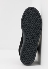 DC Shoes - CRISIS - Skatesko - black/grey - 4
