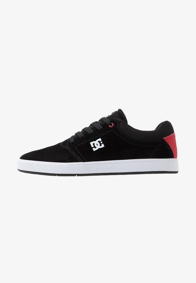CRISIS - Skate shoes - black/red/white