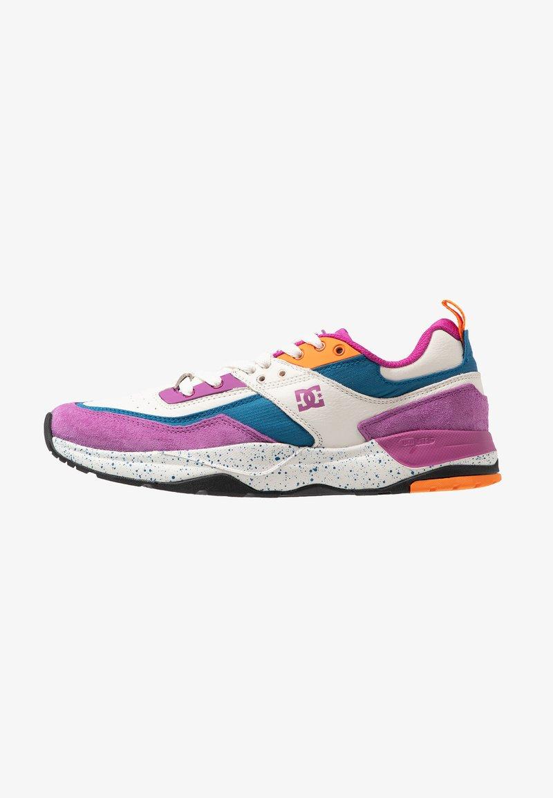 DC Shoes - TRIBEKA - Sneakers basse - violet/fire
