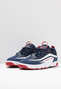 DC Shoes - LEGACY 98 SLIM - Chaussures de skate - navy/red - 2