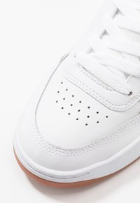 DC Shoes - PENZA - Sneakers basse - white - 5