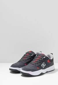 DC Shoes - PENZA - Tenisky - grey/red - 2