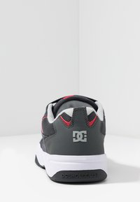 DC Shoes - PENZA - Tenisky - grey/red - 3