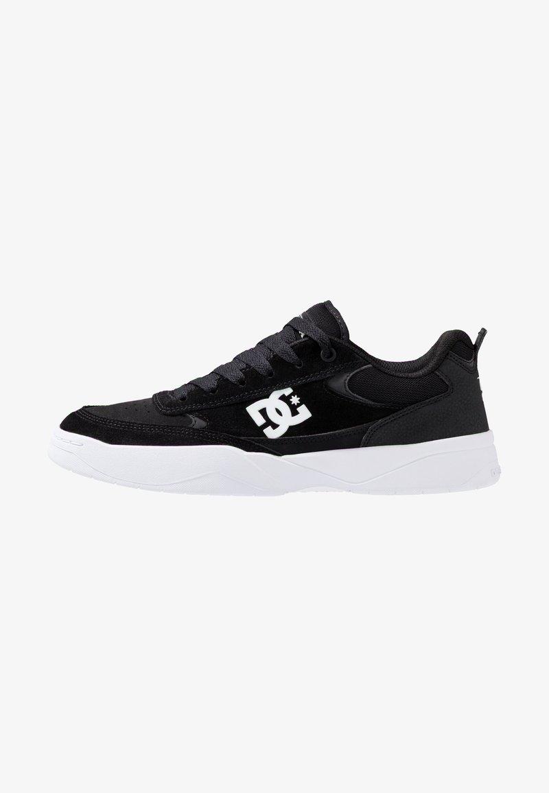DC Shoes - PENZA - Matalavartiset tennarit - black/white