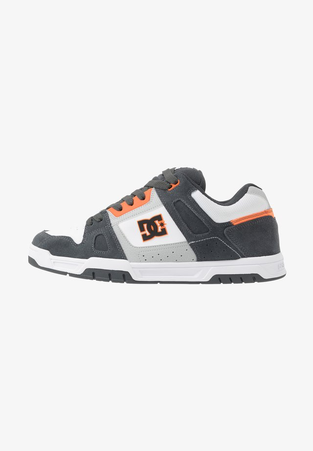 STACK - Zapatillas skate - grey/orange