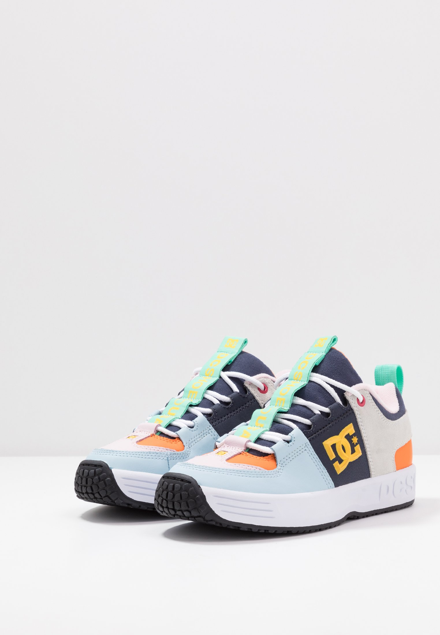 Shoes LynxSneakers Dc Shoes LynxSneakers BasseMulticolor BasseMulticolor Dc Shoes Dc wn0v8OmN