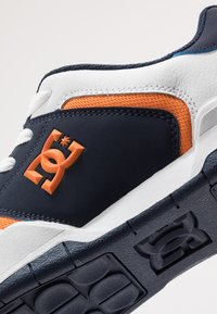 DC Shoes - CENTRAL - Skateschoenen - white/navy - 5