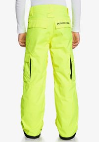 DC Shoes - DC SHOES™ BANSHEE - SCHNEEHOSE FÜR JUNGEN 8-16 EDBTP03011 - Pantalon de ski - safety yellow - 1