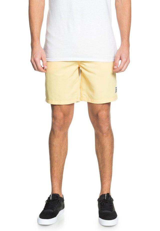 NAHMAS DAY  - Sports shorts - sunlight