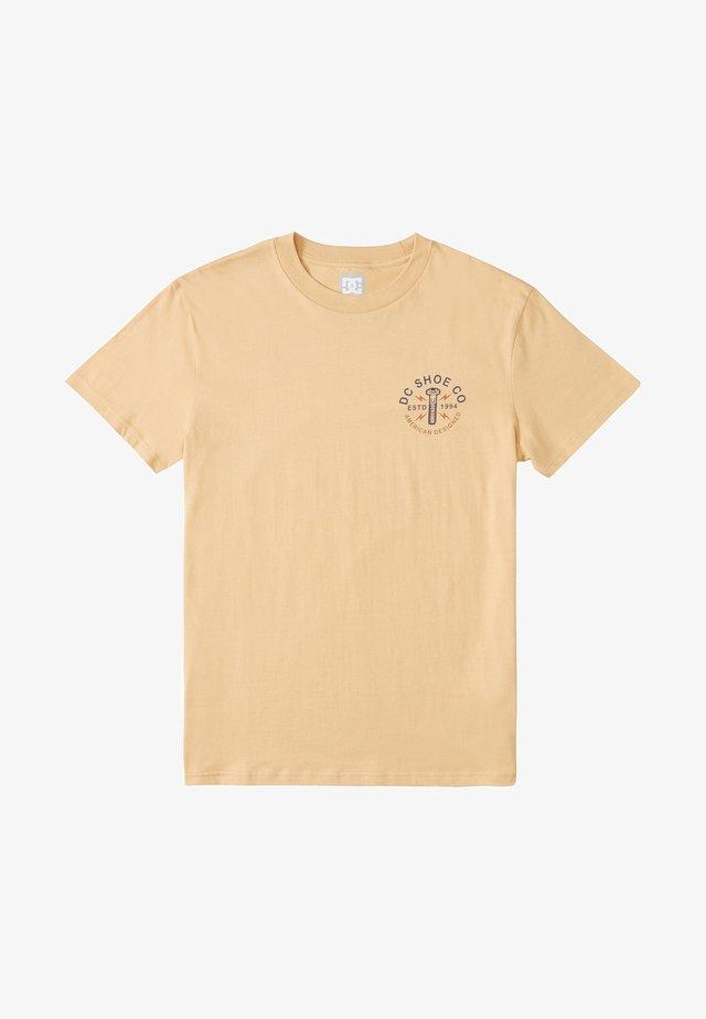 AROUND THE CLOCK - Print T-shirt - SAND
