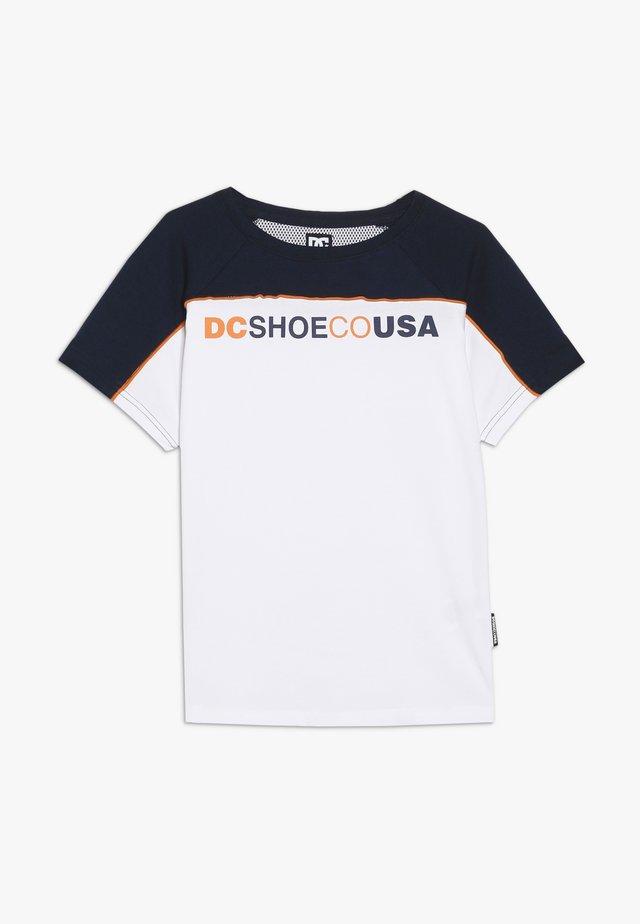 BROOKLEDGE BOY - T-shirt con stampa - snow white