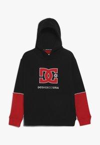 DC Shoes - WEPMA BOY - Hættetrøjer - black/racing red - 0
