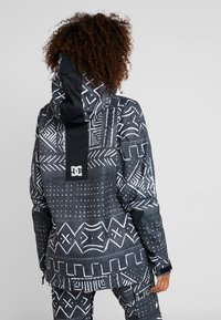 DC Shoes - ENVY ANORAK - Chaqueta de snowboard - black mud - 2