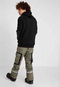 DC Shoes - REVIVAL - Pantalon de ski - olive night/desert night - 2