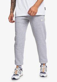 DC Shoes - REBEL  - Trainingsbroek - grey heather - 0
