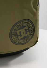 DC Shoes - THE LOCKER - Tagesrucksack - burnt olive - 2