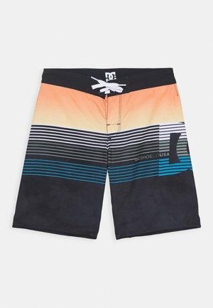 KUSECK - Shorts da mare - black