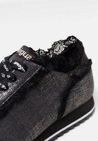Desigual - PEGASO - Sneakers basse - black - 6