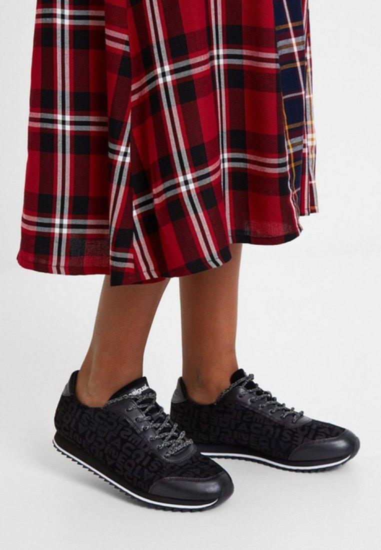 Desigual - Sneaker low - black