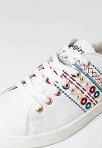 Desigual - Sneakers laag - white - 5