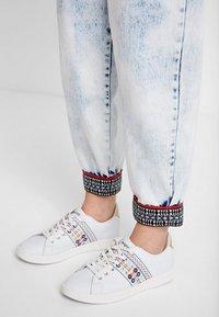 Desigual - Sneakers laag - white - 0