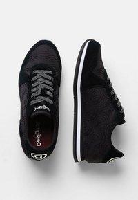 Desigual - Sneakers laag - black - 2
