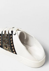 Desigual - COSMIC EXOTIC GOLD - Baskets basses - white