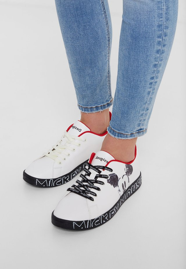 SHOES_COSMIC_MICKEY MOUSE - Trainers - white