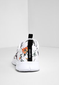 Desigual - Sneakers basse - white - 4