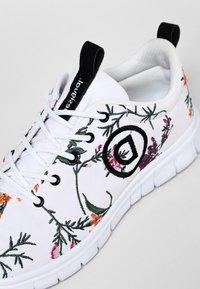 Desigual - Sneakers basse - white - 6