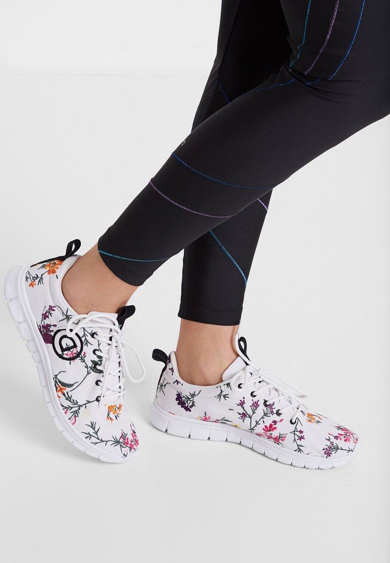 Desigual - Sneakers basse - white