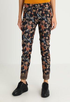 PANT PEONY - Jeans Slim Fit - black