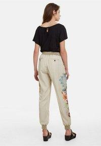 Desigual - PANT_EDDY - Spodnie materiałowe - brown - 2
