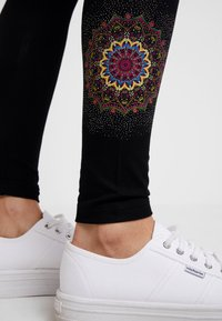 Desigual - ALEXANDRA - Legging - black - 4