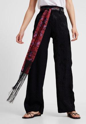 PANT TERRY - Pantalon classique - black