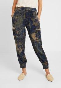 Desigual - PANT YANIN - Spodnie materiałowe - marino - 0