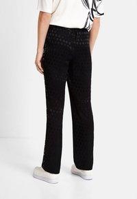 Desigual - Pantaloni sportivi - black - 2