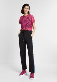 Desigual - PINTUCK STUDIO - Broek - black - 1