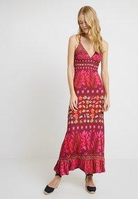 Desigual - VEST GRETA - Maxi šaty - red - 0